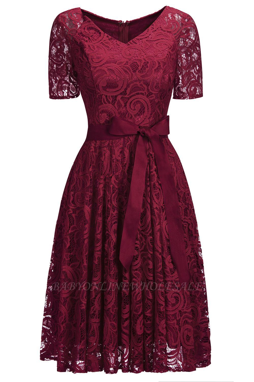 Элегантные платья с короткими рукавами V-образного вырезывания с поясом