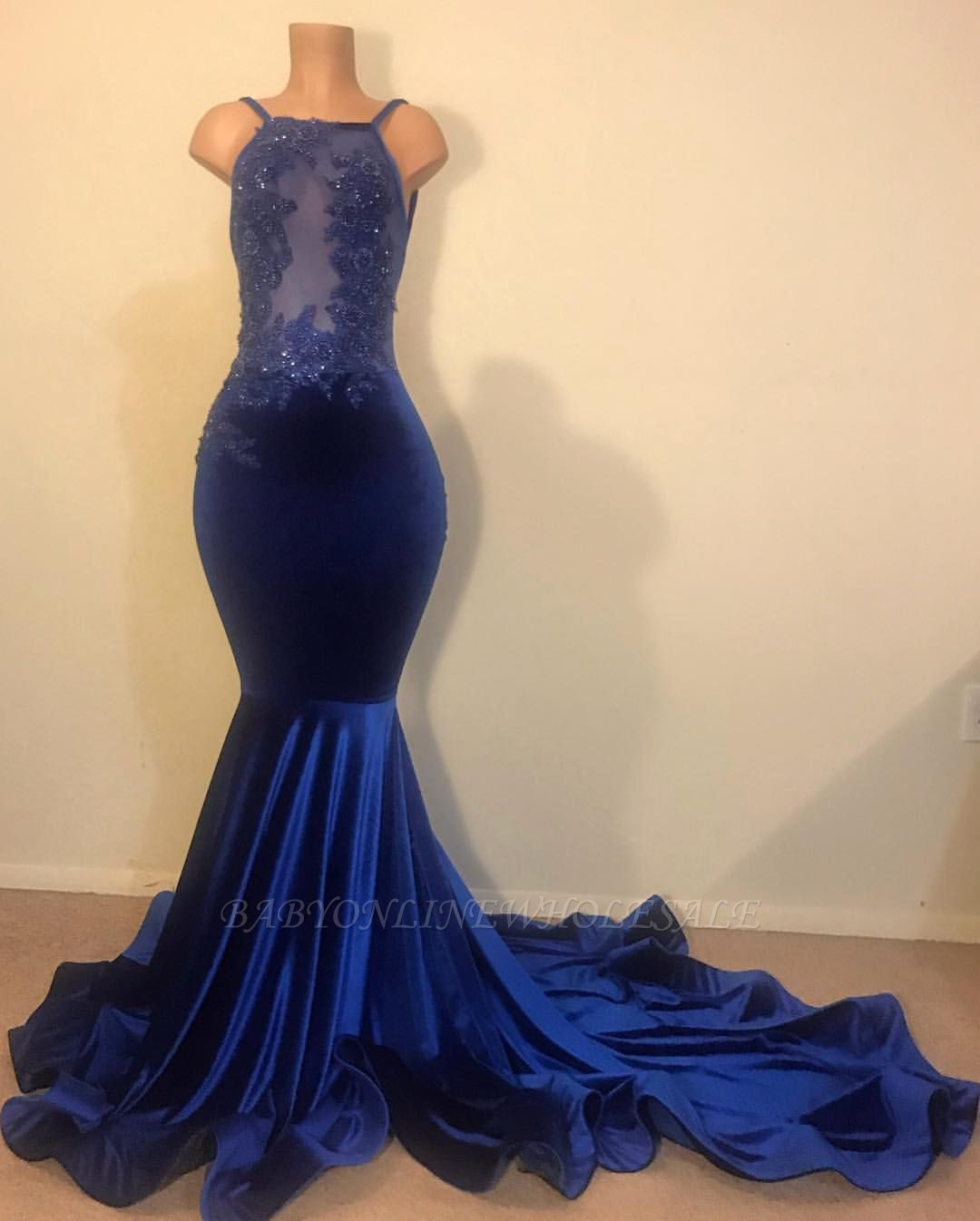 Sexy Mermaid Spahgetti-Straps Openback Velvet Applique Prom Dress