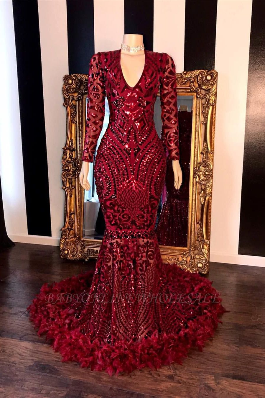 Long Sleeves V-neck Beading Patterns Long Mermaid Prom Gowns