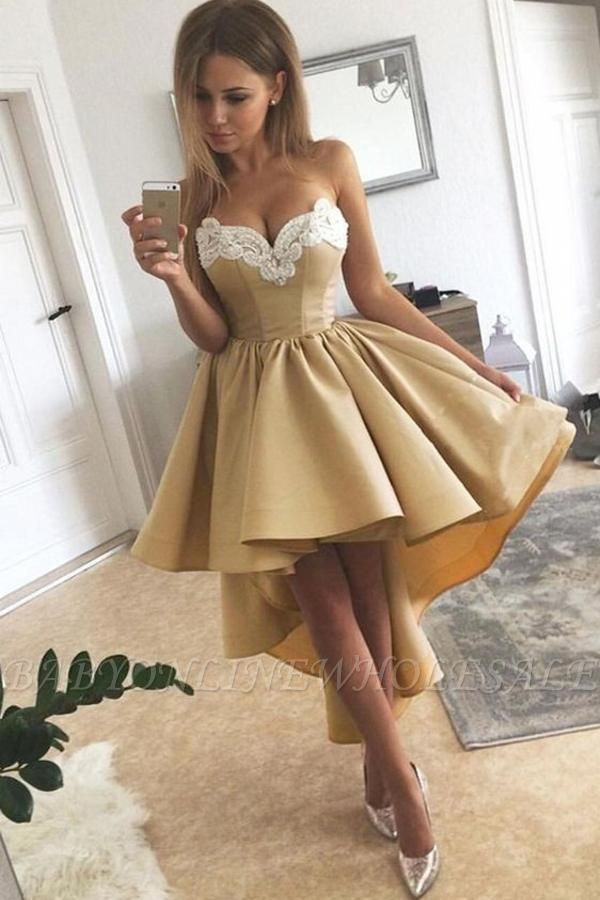 Charming Sweetheart Lace Hi-Lo Homecoming Dress Gold Sleveless Short Party Dress with Appliques