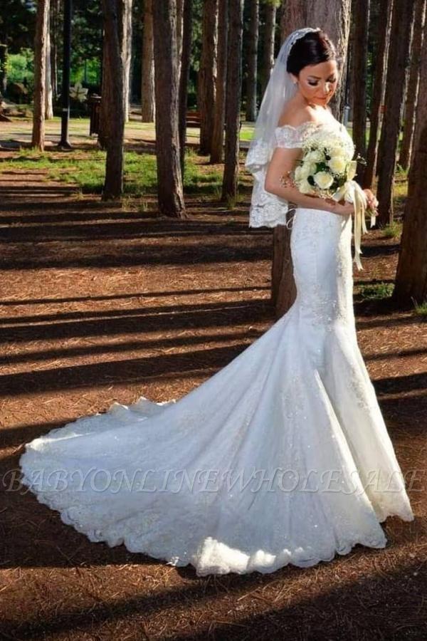 Великолепное свадебное платье русалки с открытыми плечами и кружевными аппликациями