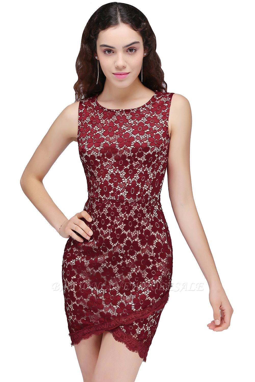 BRILEY | Bodycon Round Neck Short Lace Burgundy Homecoming Dresses