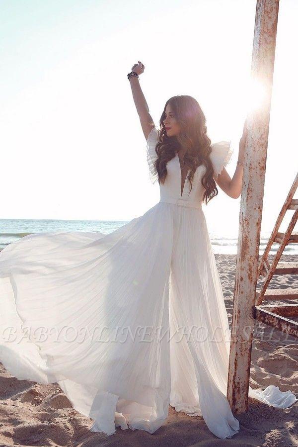 Robe de mariée en mousseline de soie à volants et encolure en V blanche