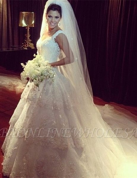 New Arrival Tiered Court Train Wedding Dress Crystal Lace V-Neck Back Plus Size Bridal Gown