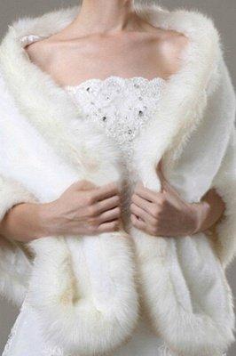 Elegant Warm Tulle White Half-Sleeves Casual Bride Wedding Wraps_3