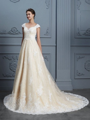 Sweetheart Ball Gown Beading Sleeveless Lace Court Train Wedding Dresses