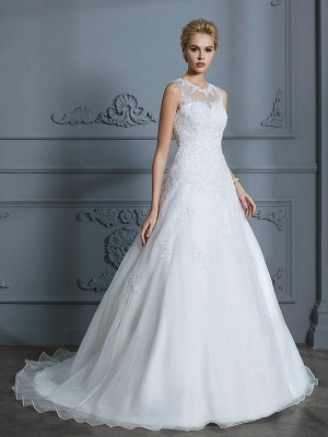 Sleeveless Tulle Ball Gown Scoop Court Train Applique Wedding Dresses