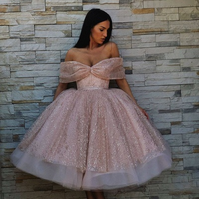 Stylish Off-the-Shoulder Ball Gown Tulle Tea-Length Prom Dresses_4