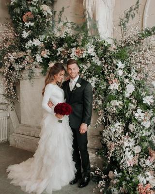 Elegant Applique Wedding Dresses | Side slit Mermaid Sleeveless Floral Bridal Gowns_2
