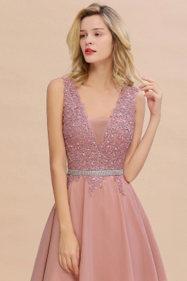 Niedliche tiefe V-Ausschnitt kurze Heimkehr Kleider mit Perlen Gürtel | Sexy ärmelloses V-Rücken Dusty Pink Knielanges Damenkleid für Cocktailparty_9