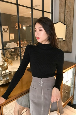 Fitted Top in a fine-knit viscose blend   Long Sleeves Round Neckline Sweater_21