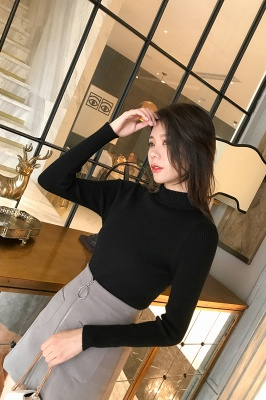 Fitted Top in a fine-knit viscose blend   Long Sleeves Round Neckline Sweater_23