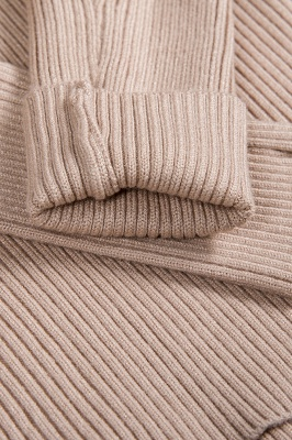 Fitted Top in a fine-knit viscose blend   Long Sleeves Round Neckline Sweater_13
