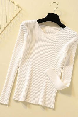 Soft V-neck fitted knit sweater with dropped shoulders with ribbing at cuffs and hem_1