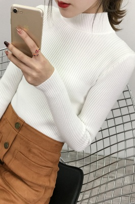 Fitted Top in a fine-knit viscose blend   Long Sleeves Round Neckline Sweater_15