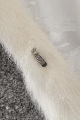 Abrigo con capucha de media longitud negro / blanco de piel sintética | Chaqueta de piel sintética con cuello chal artificial islandés_12