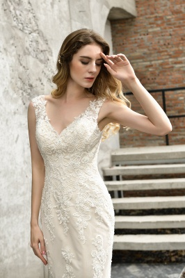 Stunning Sleeveless Fit-and-flare Lace Open Back Summer Beach Wedding Dress_5