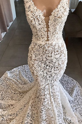Luxury Plunging V-neck Mermaid Lace Wedding Dresses   Romantic Bridal Gowns for Garden Wedding_4