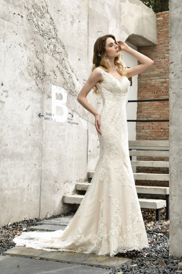Stunning Sleeveless Fit-and-flare Lace Open Back Summer Beach Wedding Dress_10