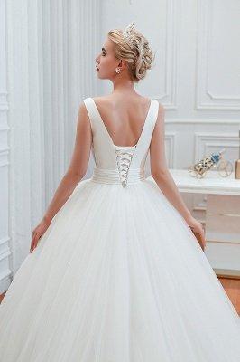 Sexy ärmellose weiße Prinzessin Frühling Brautkleid mit V-Ausschnitt   Elegante Brautkleider mit niedrigem Rücken und Gürtel_10