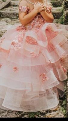 Belle bijou manches courtes à plusieurs niveaux robes de demoiselle d'honneur en tulle avec des fleurs à la main | Robe de concours de petite fille longue transparente_3