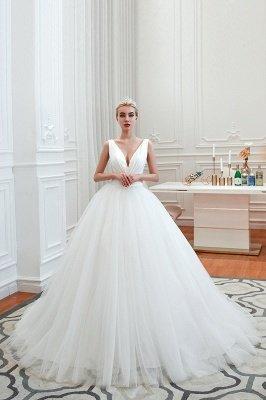 Sexy ärmellose weiße Prinzessin Frühling Brautkleid mit V-Ausschnitt   Elegante Brautkleider mit niedrigem Rücken und Gürtel_12