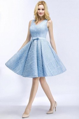 Elegant V-Neck Aline Lace Short Homecoming Dress Sleeveless Appliques Mini Party Dress