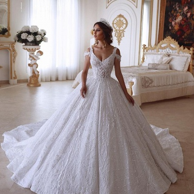 Traditional Ball Gown V-neck Cold-Shoulder White Lace Wedding Dress_2