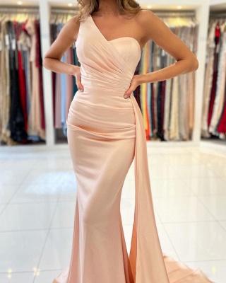 Очаровательное тонкое вечернее платье на одно плечо с русалкой_3
