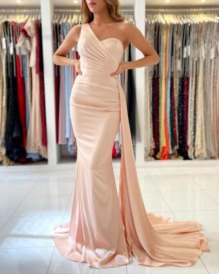 Очаровательное тонкое вечернее платье на одно плечо с русалкой_2