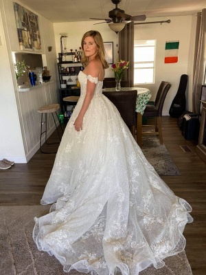 Gorgeous Off Shoulder Sweetheart White Lace Appliques Bridal Dress with Beads_2