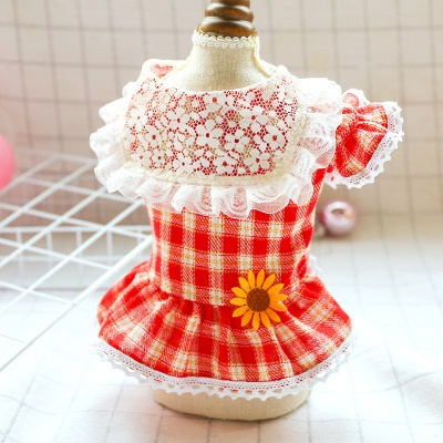 Lovely Grid Lace Ruffles Puppy T Shirt With Flowers_2