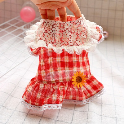 Lovely Grid Lace Ruffles Puppy T Shirt With Flowers_3