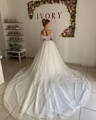 Trendy Off-the-shoulder Princess Pearl White Ball Gown Wedding Dresses_2
