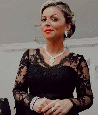 Elegantes mangas largas Vestidos de noche de encaje de satén con cuello en V negro_3