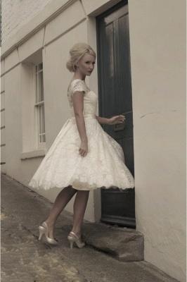 Elegant Short Sleeves Tulle Lace Appliques Mini Wedding Dress_4