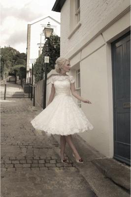 Elegant Short Sleeves Tulle Lace Appliques Mini Wedding Dress_2