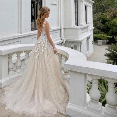Belle robe de mariée sans manches en tulle avec col en V et dentelle_3