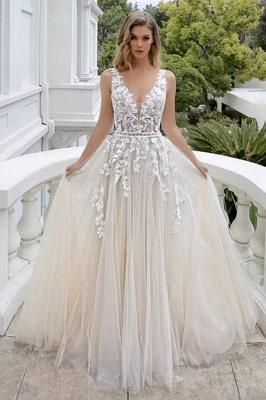 Belle robe de mariée sans manches en tulle avec col en V et dentelle_1