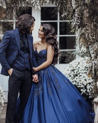 Charmantes Herz-Ausschnitt Ärmellose Spitzenapplikationen Marineblaues Hochzeitskleid_2
