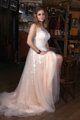 Elegant V-Neck A-line Wedding DressTulle Lace Appliques  Simple Side Split
