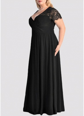 Plus Size Solid Lace Splice Ruched V-Neck Party Maxi Dress_4