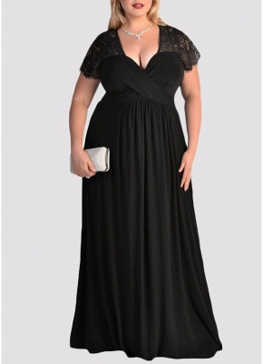 Plus Size Solid Lace Splice Ruched V-Neck Party Maxi Dress_1