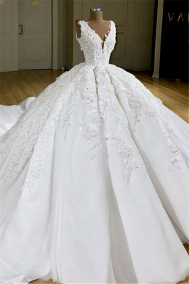 Luxury V-Neck Appliques Princess Ball Gown Delicate Wedding Dress_1