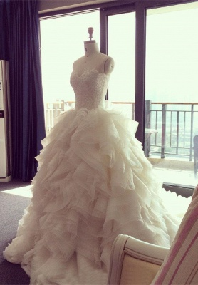 Elegant Sweetheart Ruffles Wedding Dress with Beadings Latest Court Train 2018 Bridal Gown
