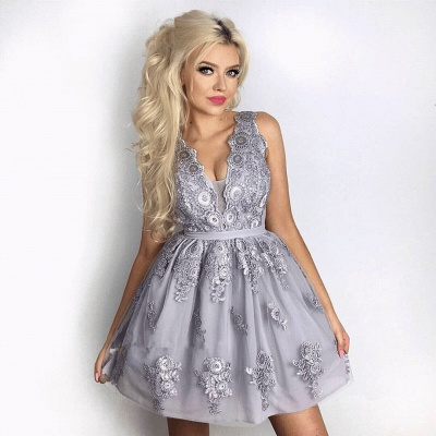 Delicate Lace Appliques V-neck Short Homecoming Dress_3