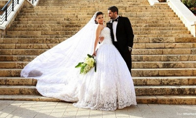 Noble Sweetheart Crystal Ball Gown Wedding Dress Lace Chapel Train Plus Size Princess Dress_2