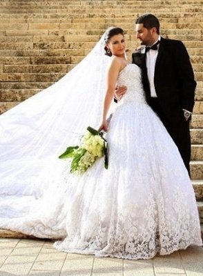 Noble Sweetheart Crystal Ball Gown Wedding Dress Lace Chapel Train Plus Size Princess Dress_1